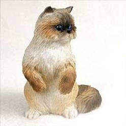 Ragdoll Cat Figurine, the perfect gift for cat lovers