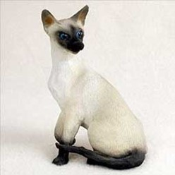 Siamese Cat Figurine, the perfect gift for cat lovers