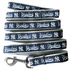 New York Yankees MLB Dog Lead