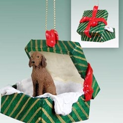 Vizsla Green Gift Box Dog Christmas Ornament