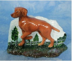 Vizsla Ron Hevener Dog Figurine